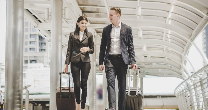 10 High Paying Jobs That Let You Travel