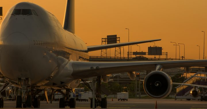 How to Find Late Night Flights for Business Travel